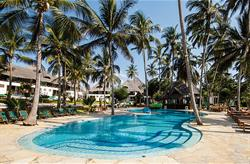 PARADISE BEACH RESORT ****