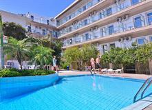 Hotel D & D Resort