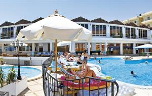 Hotel Minamark Beach Resort