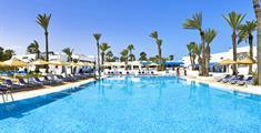 Hotel Cooee Hari Club Beach Resort