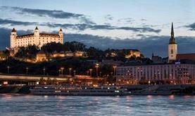 Adventní Bratislava a vinařský advent v Lednici