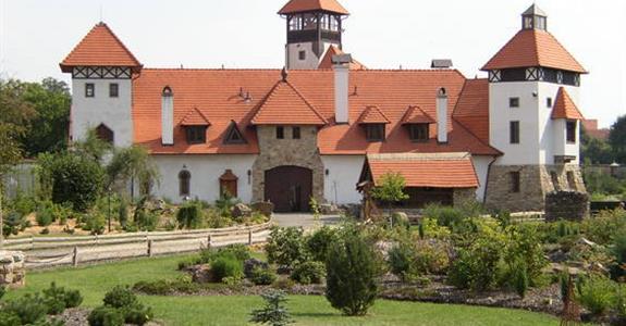 Skanzen a hrad Červený újezd