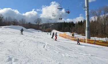 Ski Monínec - jednodenní lyžování