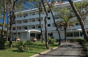 Почивка в Италия в хотел Domizia Palace