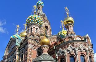 Очарователните имперски столици на Русия по време на Белите нощи