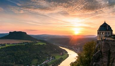 Adventní Königstein, okružní plavba Saským Švýcarskem a zastávkou v malebné Pirně