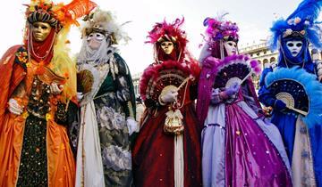 Karneval v Benátkách na otočku