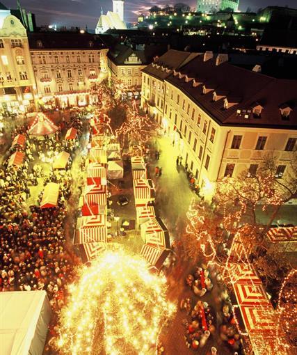 VÁNOČNÍ BRATISLAVA - ADVENTNÍ zájezdy z Olomouce
