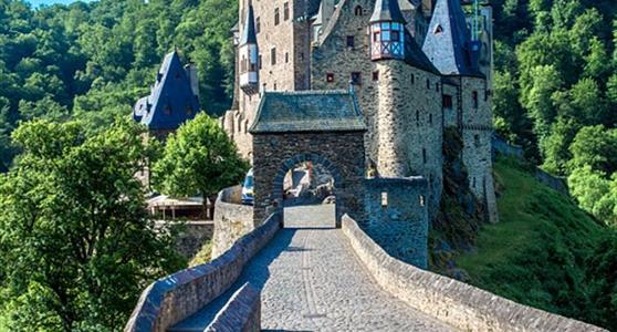 ROMANTICKÁ ÚDOLÍ RÝNA A MOSELY – nejkrásnější místa Německa