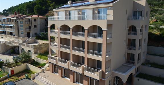 DRVENIK - hotel PALACE