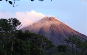 Za papoušky do netknuté Kostariky po vlastní ose