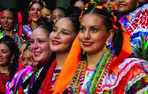 Mexico plné barev: tajemné pyramidy, koloniální stavby a milí Mexičané