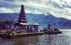 Za komodským drakem a prastarými chrámy Bali