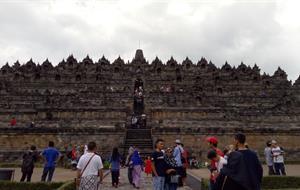 Indonéská mozaika - prastaré chrámy Jávy, jedinečná kultura Bali a úžasné pláže…