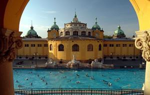 Adventní Budapešť s termálními lázněmi, vánočními trhy a prohlídkou města
