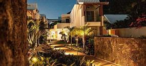 La Mariposa 3: Oslnivý západ Slunce v tropické zahradě