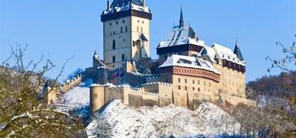 Do sklářské huti a na hrad Karlštejn