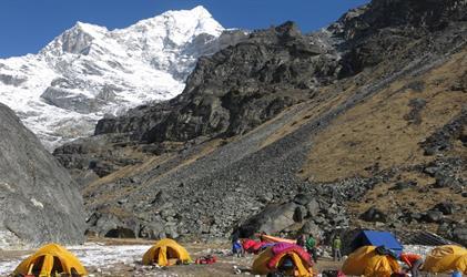 Nepál - výstup na Mera Peak s trekem z údolí...