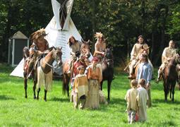 Indiánské táboření s jízdou na koni