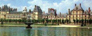 Paříž klasická i současná a moderní a královská sídla Fontainebleau a Versailles. 2.399 Kč a taxy!