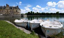 Paříž klasická i současná a moderní a královská sídla Fontainebleau a Versailles. 2.599 Kč a taxy!