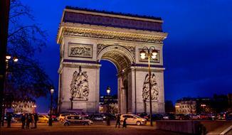 Silvestr v Paríži, Versailles a Fontainebleau, jen za  2.599,- Kc a taxy !!