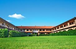 Üdülőközpont Borgo Degli Olivi