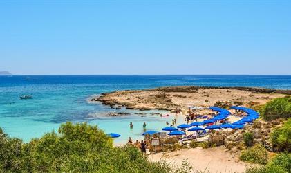 Kypr pro seniory 55 - Adams Beach
