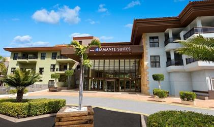 Hotel Diamante Suites