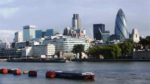 Londýn a královský Windsor letecky 2020