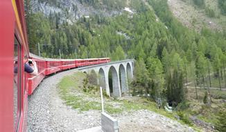 Švýcarské Alpy a horský vláček Bernina Express 2020