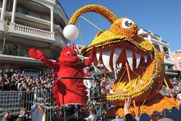 Karneval květů v Nice a festival citrusů v Mentonu 2021