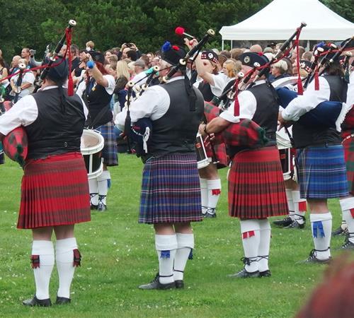 Skotské hry na zámku Sychrov a Whisky 2021