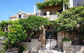 Kamenný dům 1355-247
