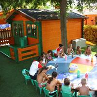 Camping Duca Amedeo - karavany, autobusem
