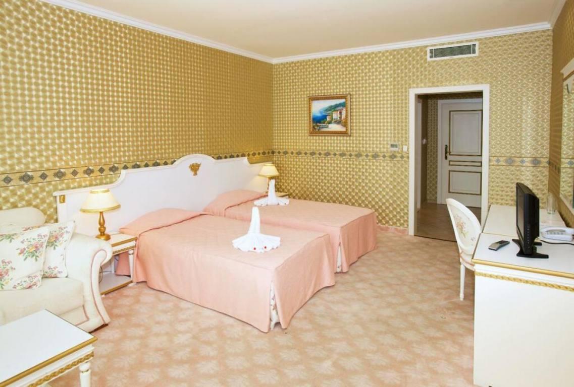 Image result for HOTEL PLANETA 4*