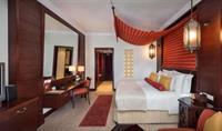 AJMAN HOTEL 5 - speciální nabídka při objednání do 15.6.