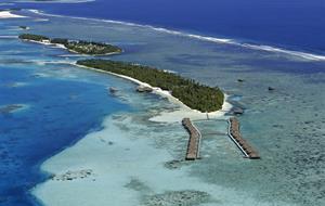 Medhufushi Island Resort 5 FIRST MINUTE SLEVA 40 % z ubytování při rezervaci do 30.6.21