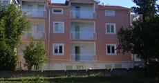 Biograd na Moru - Jelena penzion (bývalý Čančar) apartmán (s polopenzí)