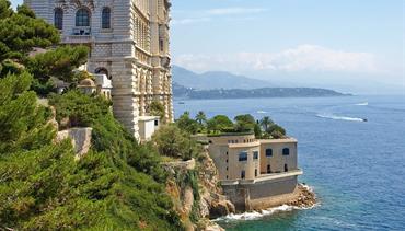 Karnevalové veselí v Nice na Azurovém pobřeží