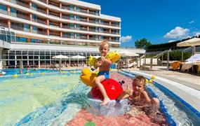 Hotel LIVADA PRESTIGE - Ubytování 1 noc s polopenzí