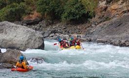 Rafting na himálajské řece Tamur