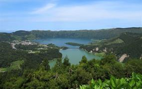 Azory s turistikou
