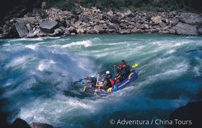 Rafting na himálajské řece Karnali