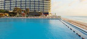 Hotel Crown Paradise Club