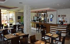 Lobby bar a jídelna