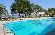 Bazén s pláží