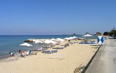 Pláž 50 m od Vila Theo