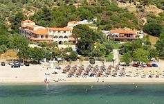 Letecký snímek hotel u pláže