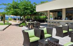 Bar v hotelové zahradě